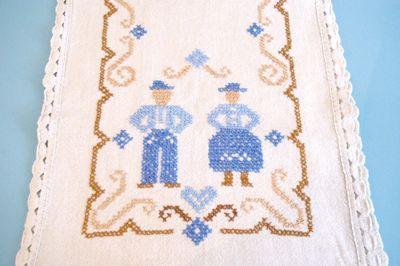 ドイツ 東欧 ヴィンテージ ファブリック クロス 刺繍 ハンドメイド 布